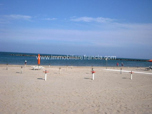Lido-Scacchi-vendita-villetta-con-spiaggia-privata-