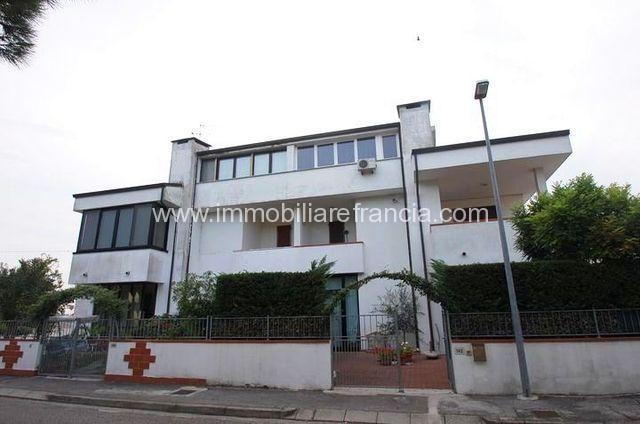 Lido-Volano-vendita-villetta-piano-terra-