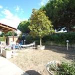 giardino con porticato