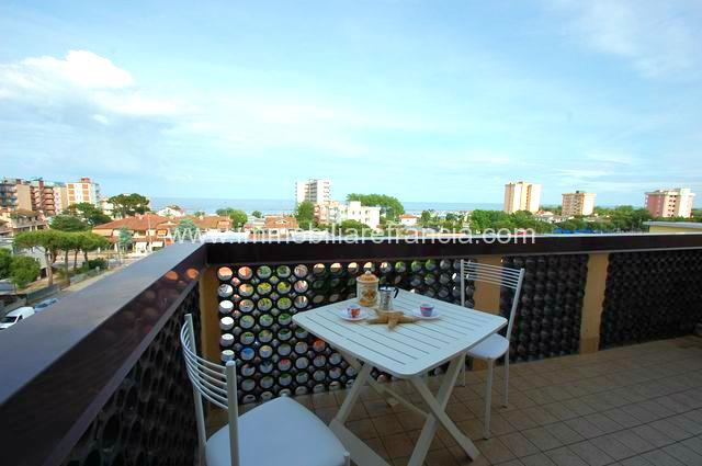 appartamento bilocale con doppio terrazzo