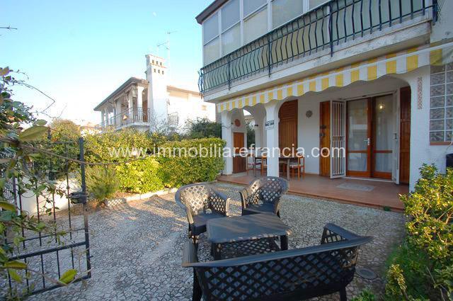 Villetta Bilocale doppio giardino privato