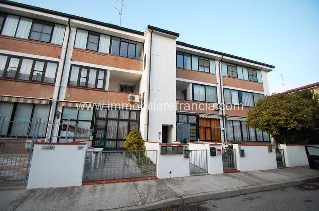 Porto Garibaldi appartamento quadrilocale a pochi passi dal mare